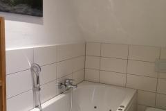 Bad im Obergeschoss mit Whirlwanne